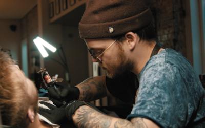 Bitmoji venskabs tatovering