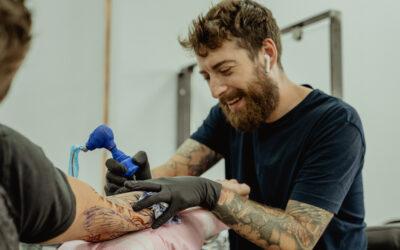 6 gode grunde til at blive tatovør (ifølge 11 tatovører)
